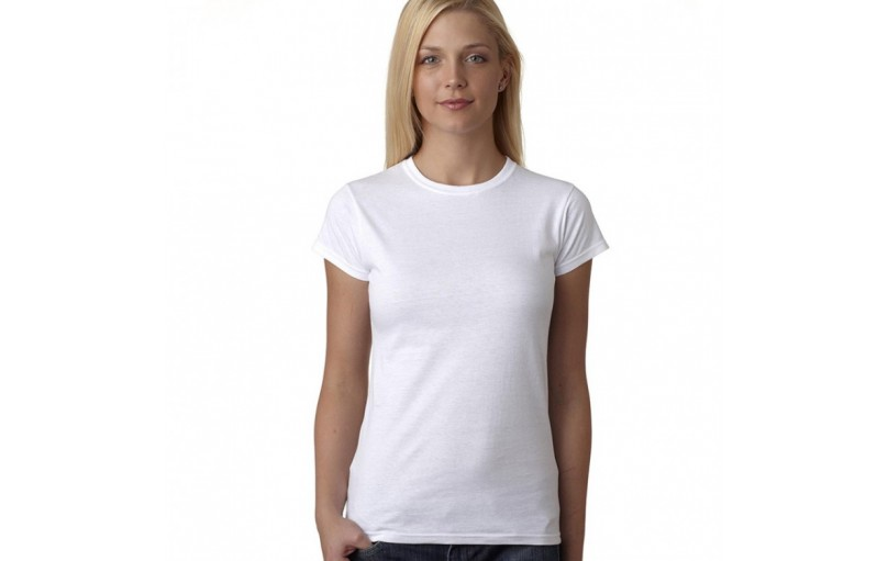 Different Ways for Girls to Dress Up a Plain White t-Shirt in an Attractive Way